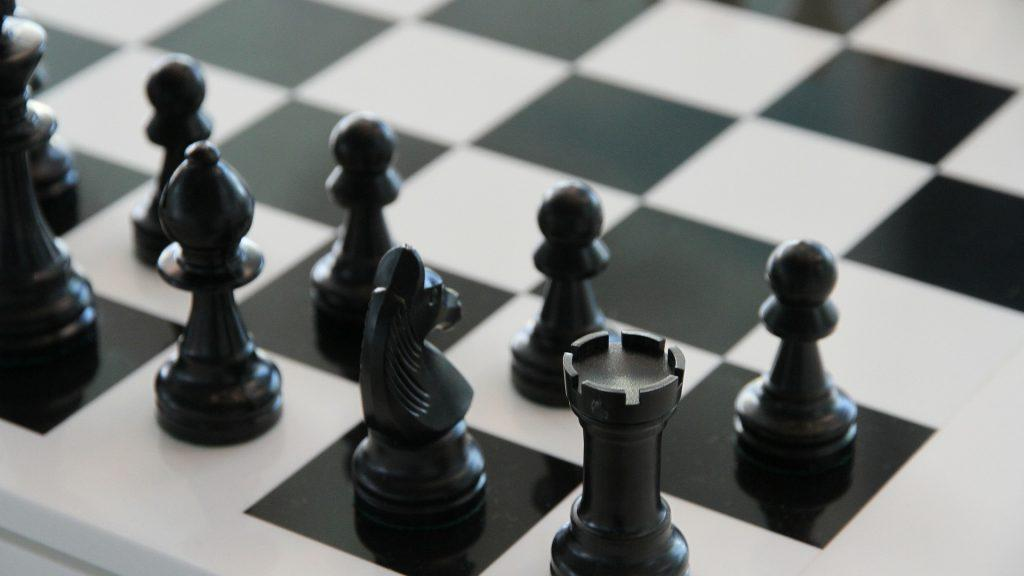 chess 140340 1920 1024x576 - Initiation noire