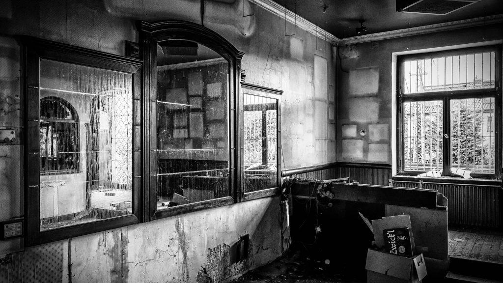 lost places 1574561 1920 1024x576 - Le Rite des Ménades de la tournée des bars