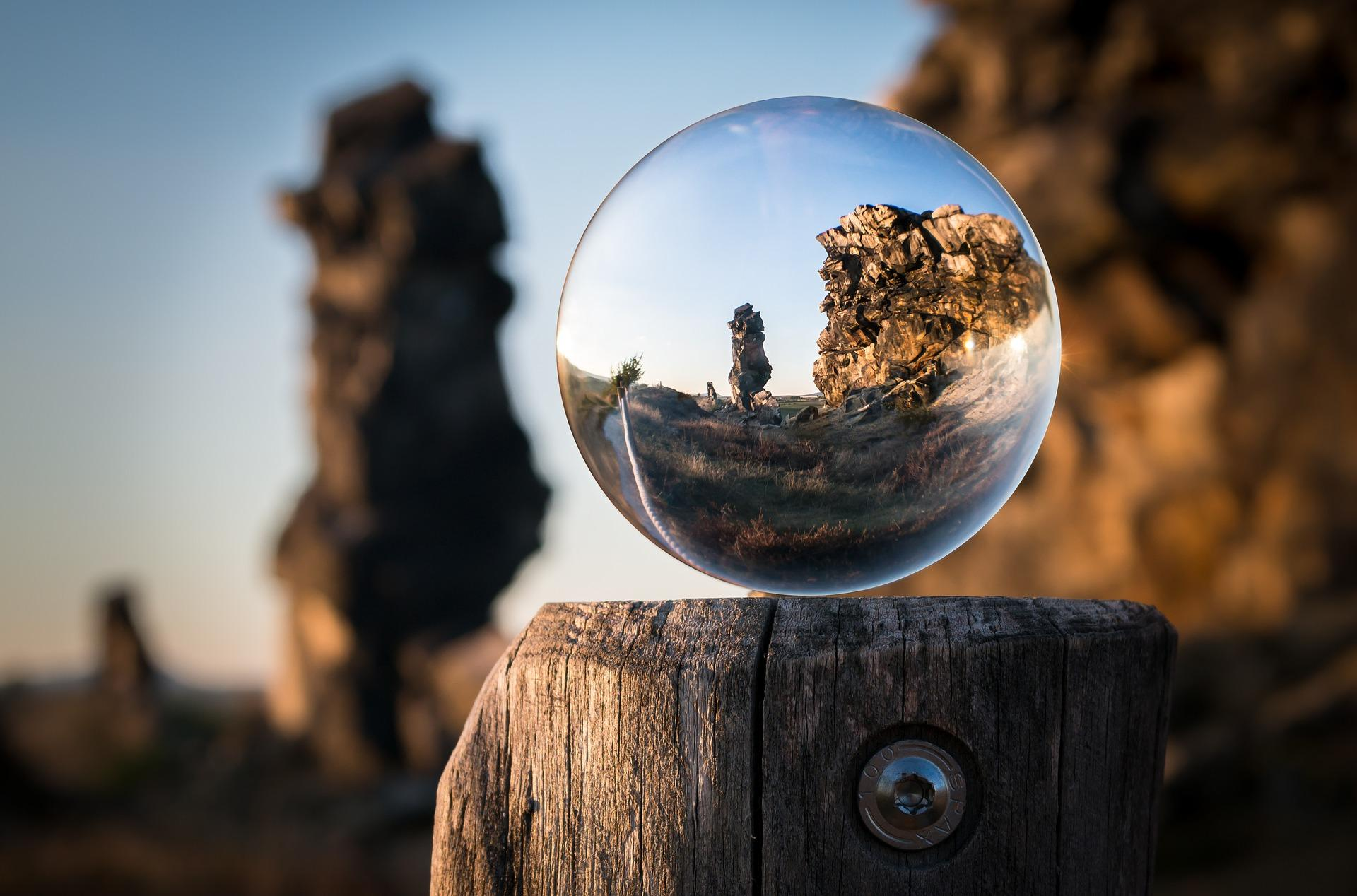 glass ball 1746506 1920 - Voyage intentionnel [3eme partie]