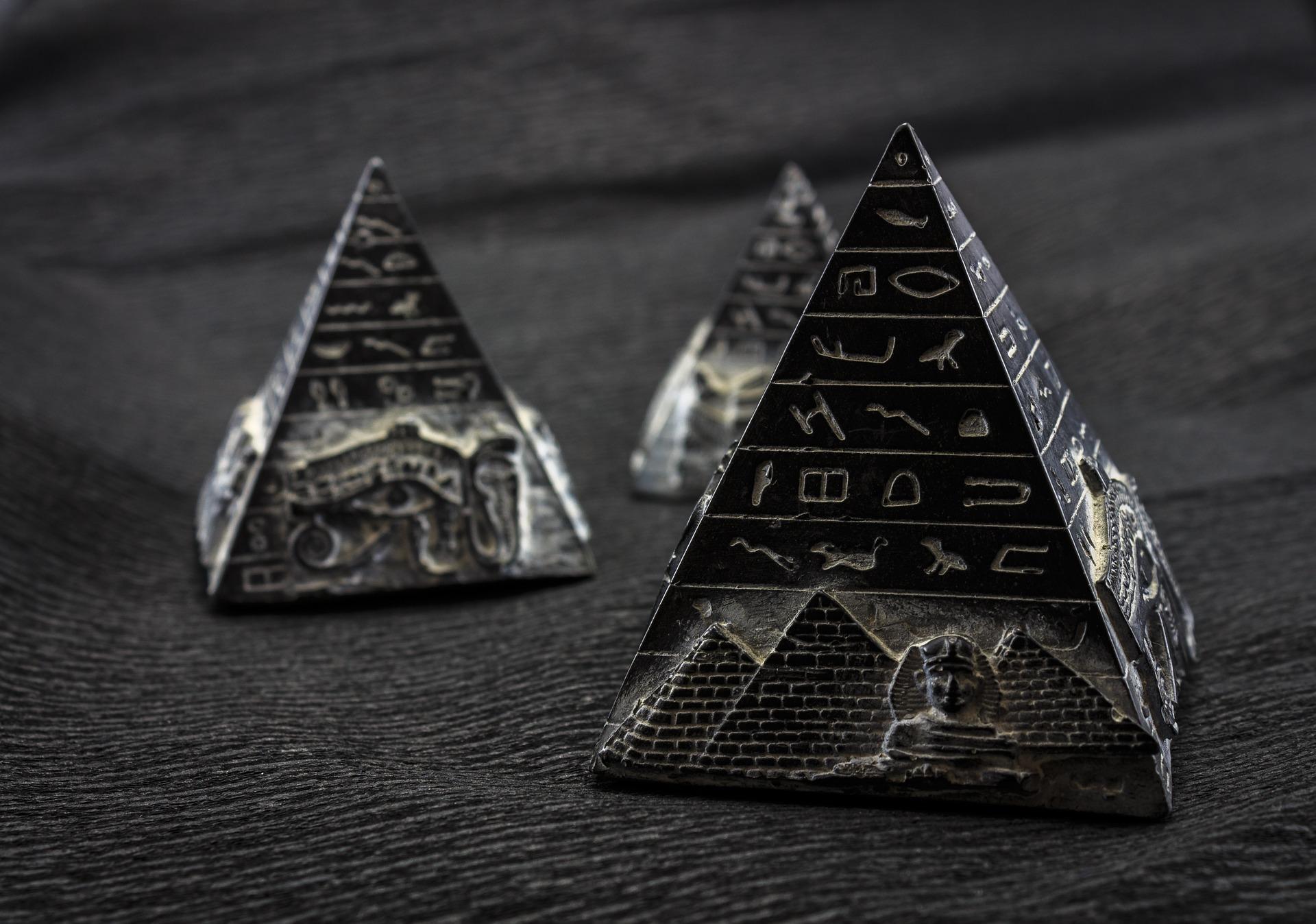 Le Manifeste de la Pyramide Noire