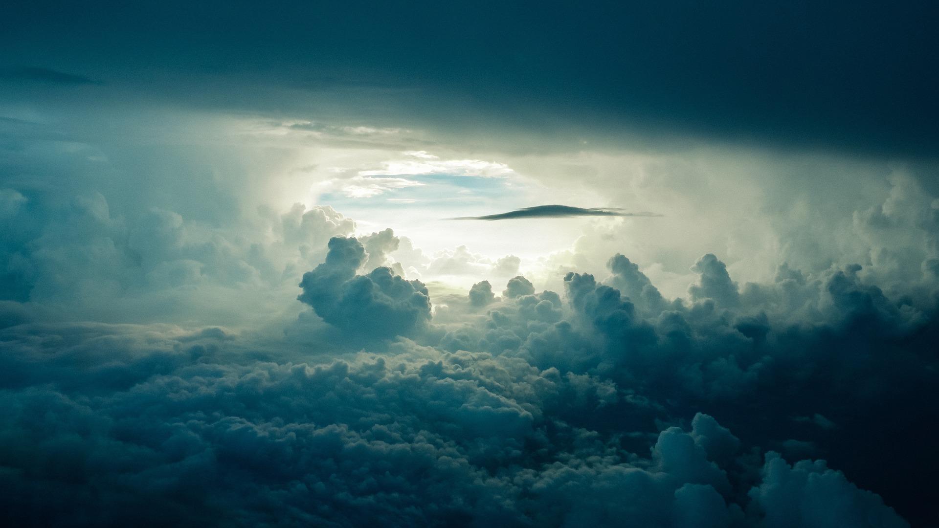 Plein de choses dans les nuages