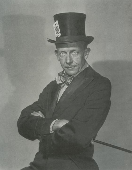 mad hatter autoportrait - Et maintenant… Regardez !